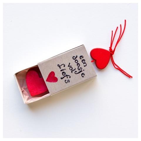 Cadeautje - doosje vol liefs - lief cadeautje - zeepje - zeep in een doosje